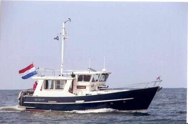 Fisher 38 Trawler (motorjacht, steunzeil) Ten opzichte van de andere Fishers is dit geen echte motorsailer, maar een snel motorjacht (2 motoren, 2 schroeven). Toch zo karakteristiek dat we heb wel in de rij van de Fishervloot hebben opgenomen.